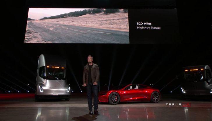 La nuova Tesla Roadster è l'auto più veloce del mondo, lo dicono i tester - Foto 15 di 16