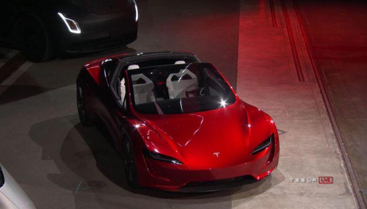 La nuova Tesla Roadster è l'auto più veloce del mondo, lo dicono i tester - Foto 5 di 16