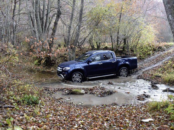 Mercedes-Benz Classe X: il primo pick-up Premium è firmato dalla Stella - Foto 3 di 17