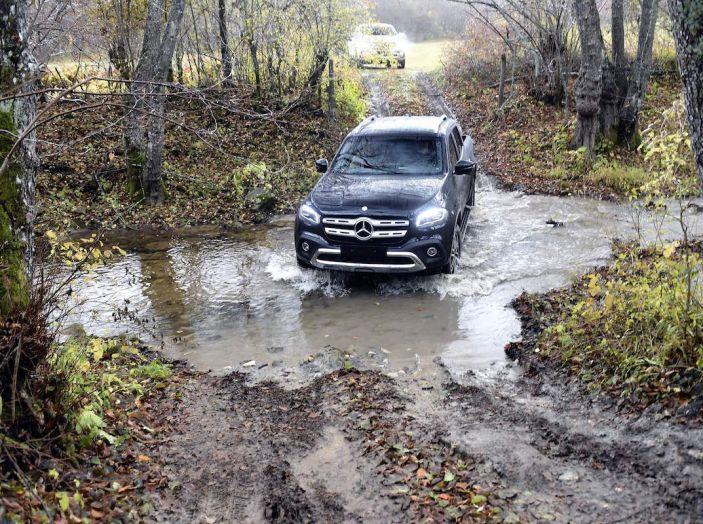 Mercedes-Benz Classe X: il primo pick-up Premium è firmato dalla Stella - Foto 5 di 17