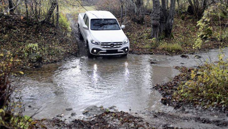 Mercedes-Benz Classe X: il primo pick-up Premium è firmato dalla Stella - Foto 8 di 17