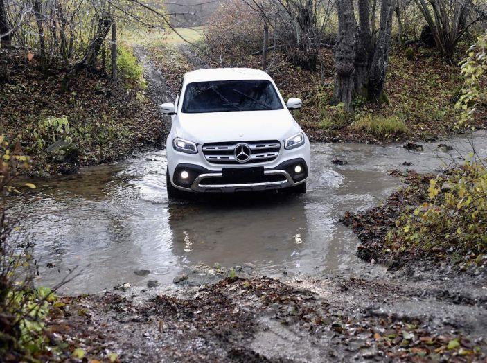 Mercedes-Benz Classe X: il primo pick-up Premium è firmato dalla Stella - Foto 9 di 17
