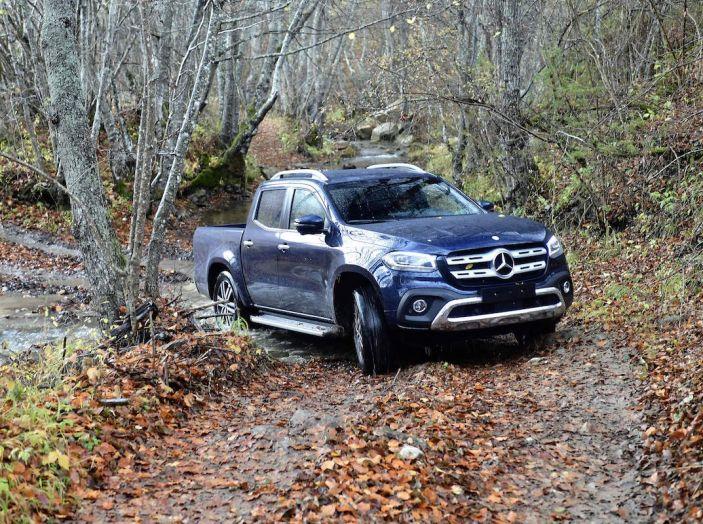 Mercedes-Benz Classe X: il primo pick-up Premium è firmato dalla Stella - Foto 12 di 17