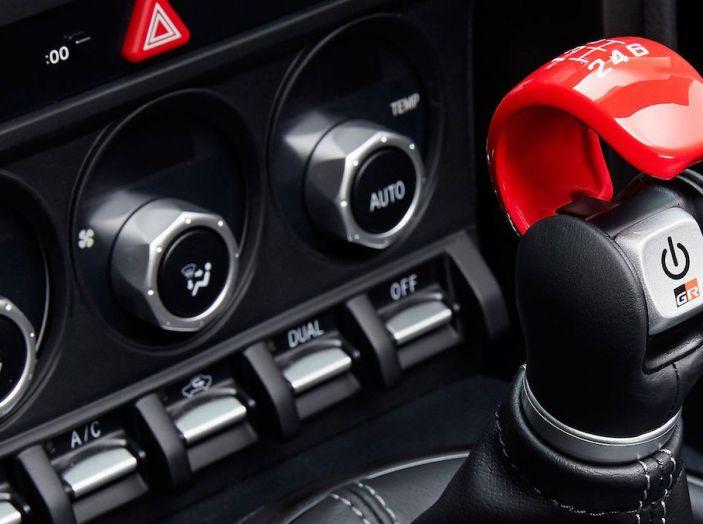 Toyota: motori a combustione come Diesel e benzina moriranno entro il 2050 - Foto 8 di 9