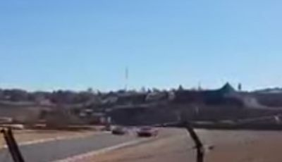 Ferrari 458 Speciale perde il controllo sul circuito di Kyalami