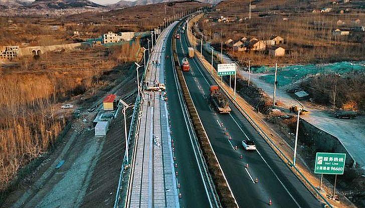 cina-autostrada-solare