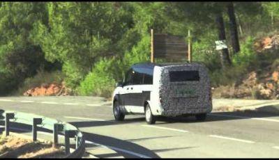 Mercedes Classe V video spia
