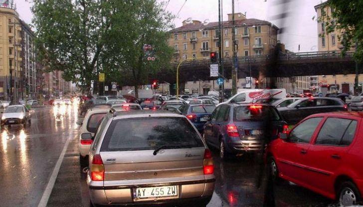 Come arrivare in auto al Duomo di Milano: la bravata di una influencer - Foto 8 di 9
