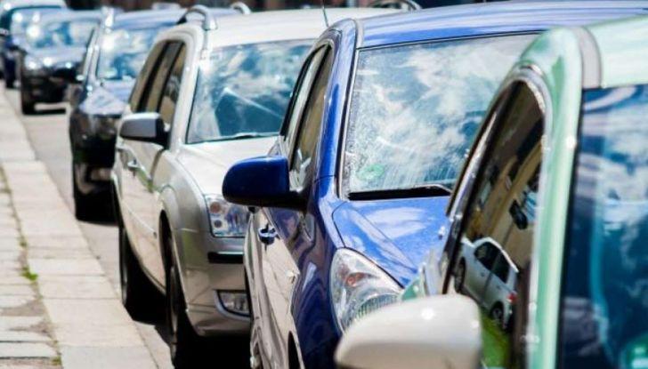 Come arrivare in auto al Duomo di Milano: la bravata di una influencer - Foto 9 di 9
