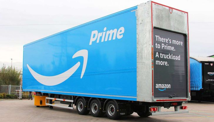 Il truck di Amazon Prime è da film post apocalittico - Foto 2 di 7