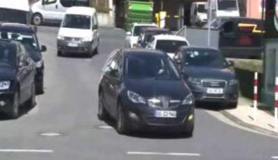 Video Opel Astra station wagon Spy