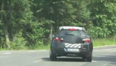 Video Opel Astra GTC Spy