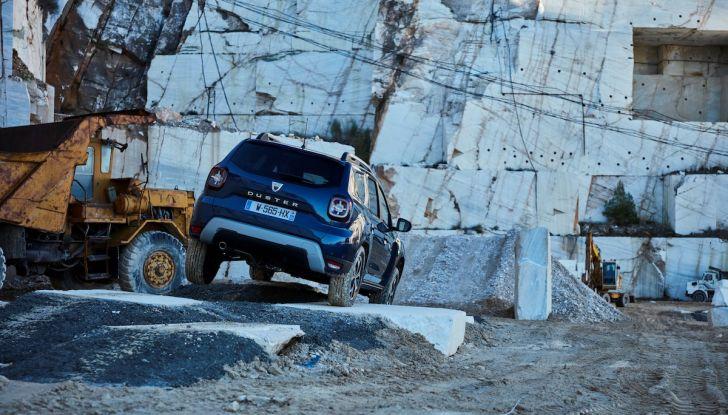 Dacia Duster 2018: linee più imponenti per la seconda serie - Foto 7 di 49