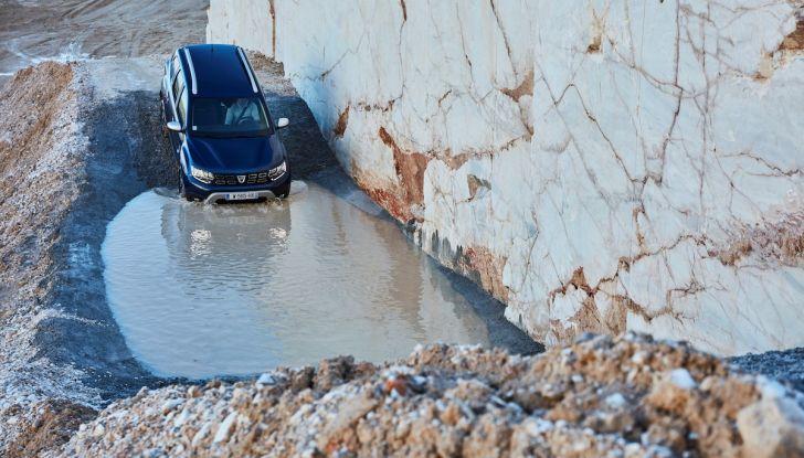 Dacia Duster 2018: linee più imponenti per la seconda serie - Foto 20 di 49
