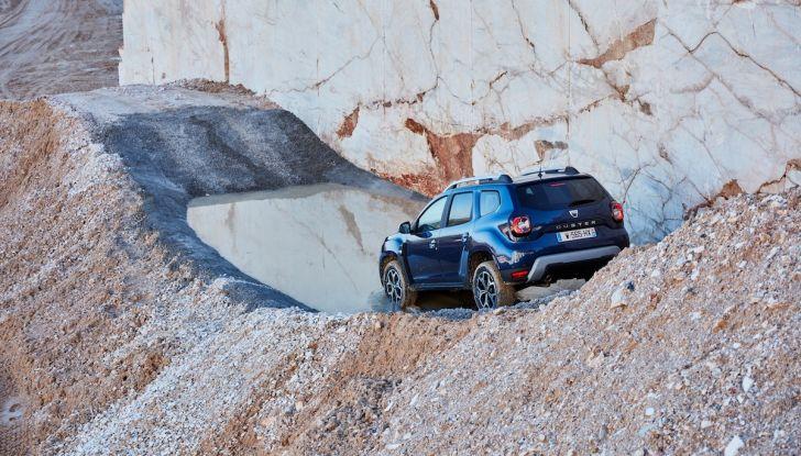 Dacia Duster 2018: linee più imponenti per la seconda serie - Foto 21 di 49