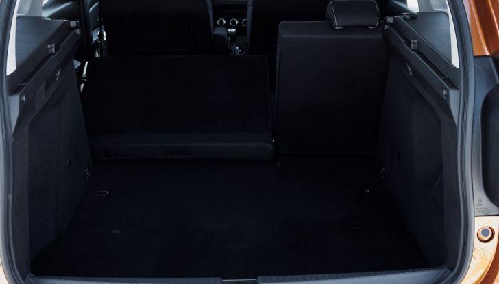 Dacia Duster 2018: linee più imponenti per la seconda serie - Foto 27 di 49