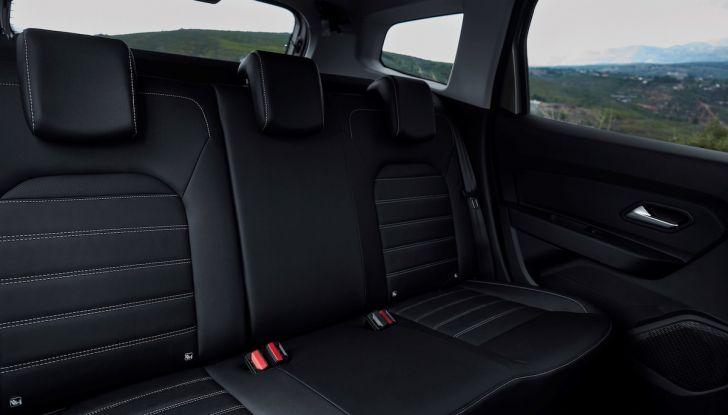 Dacia Duster 2018: linee più imponenti per la seconda serie - Foto 28 di 49