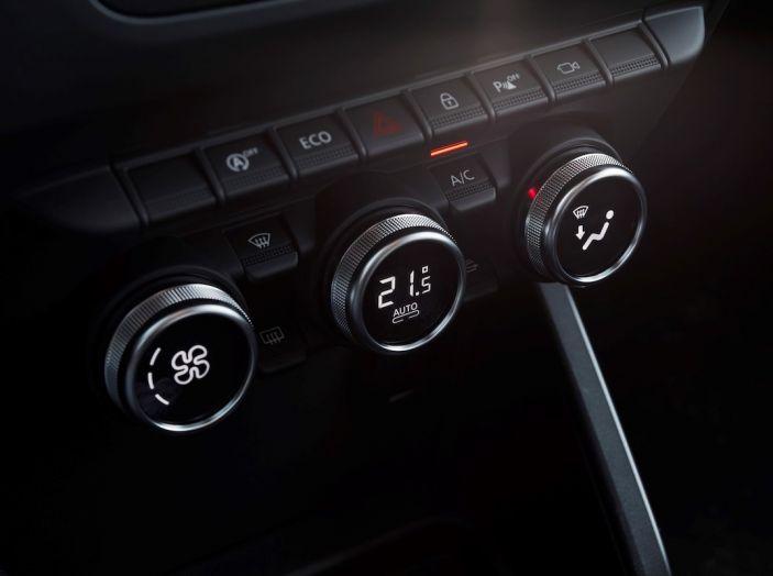 Dacia Duster 2018: linee più imponenti per la seconda serie - Foto 30 di 49