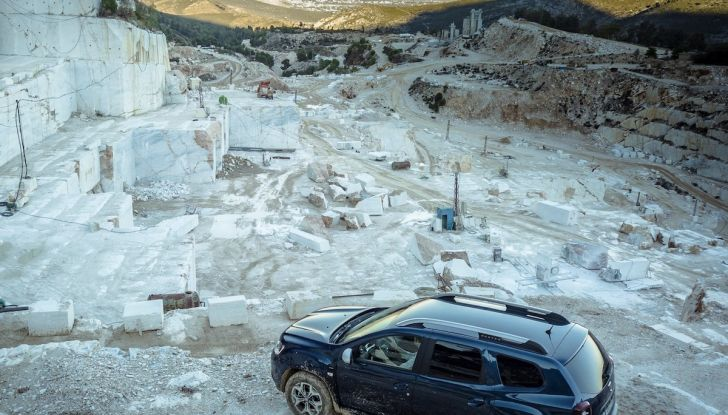 Dacia Duster 2018: linee più imponenti per la seconda serie - Foto 11 di 49