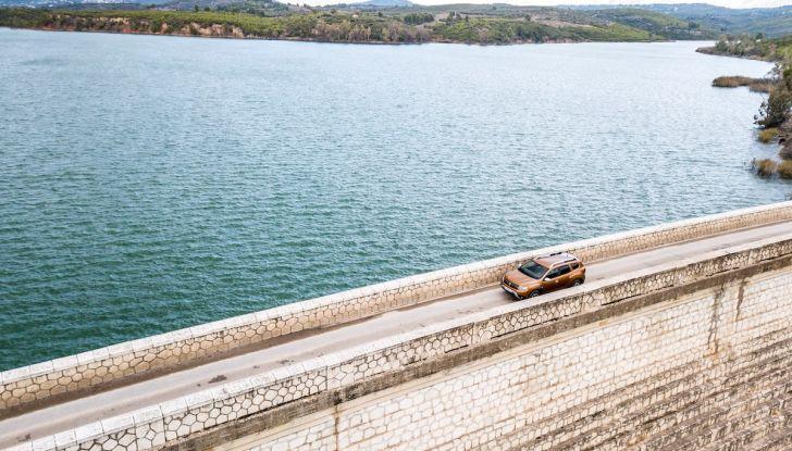 Dacia Duster 2018: linee più imponenti per la seconda serie - Foto 4 di 49