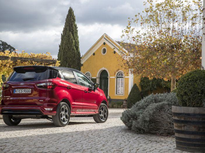 Ford EcoSport nuova generazione, il SUV compatto pratico e tecnologico - Foto 11 di 32