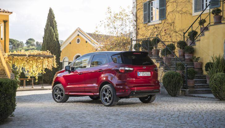 Ford EcoSport nuova generazione, il SUV compatto pratico e tecnologico - Foto 12 di 32
