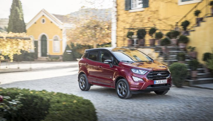 Ford EcoSport, il SUV compatto con Intelligent All-Wheel Drive - Foto 13 di 32