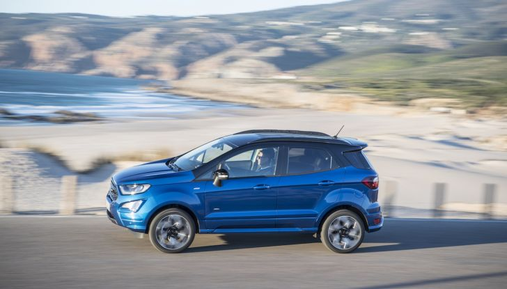 Ford EcoSport, il SUV compatto con Intelligent All-Wheel Drive - Foto 17 di 32