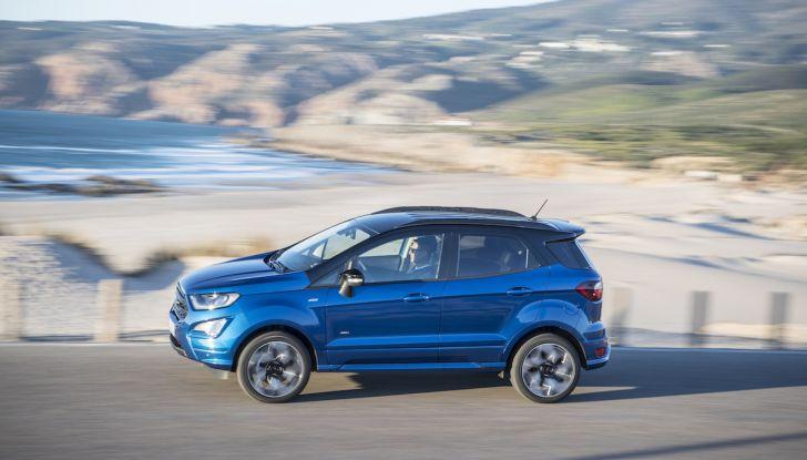 Ford Ecosport: i tappetini nascono dalle bottiglie di plastica riciclata - Foto 17 di 32