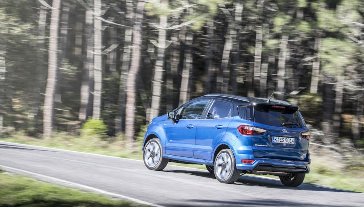 Ford EcoSport, il SUV compatto con Intelligent All-Wheel Drive - Foto 20 di 32