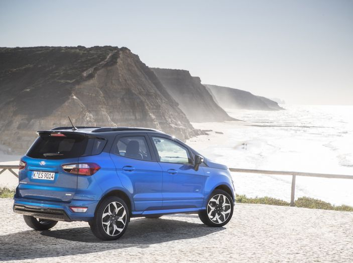 Ford EcoSport, il SUV compatto con Intelligent All-Wheel Drive - Foto 22 di 32