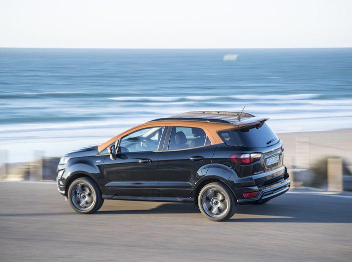 Ford EcoSport, il SUV compatto con Intelligent All-Wheel Drive - Foto 25 di 32