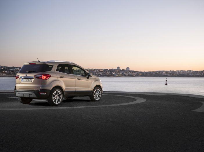 Ford EcoSport, il SUV compatto con Intelligent All-Wheel Drive - Foto 28 di 32