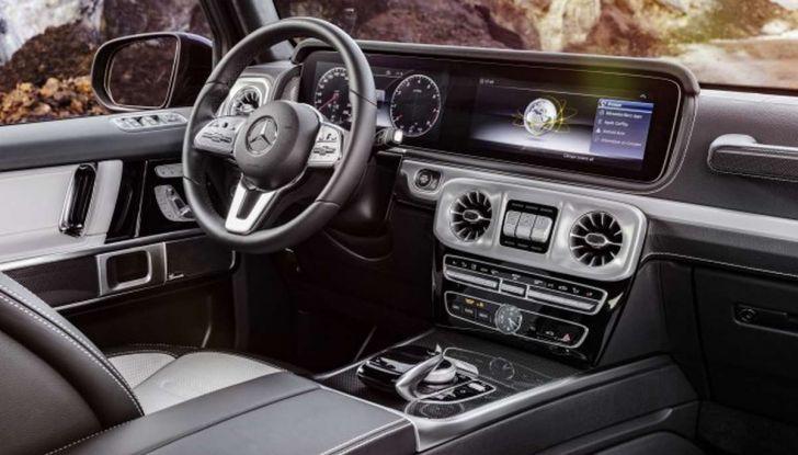 Gli interni della nuova Mercedes Classe G 2018 svelati ufficialmente - Foto 1 di 9