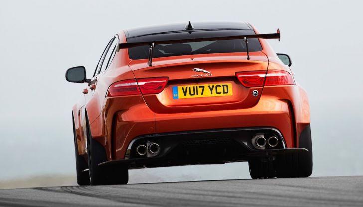 La Jaguar XE SV Project 8 batte il record della Giulia al Nürburgring - Foto 4 di 9