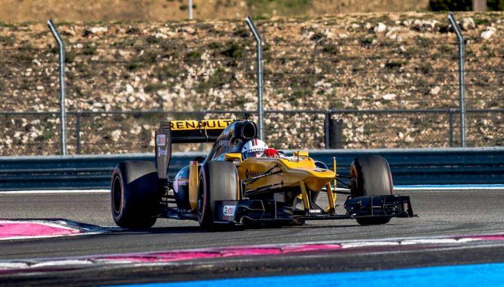 La porta a guidare la F1 Renault e le chiede di sposarlo [Video] - Foto 5 di 27