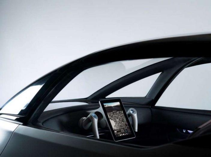 L'auto elettrica con 5 anni di ricariche gratis arriva dalla Svezia - Foto 6 di 11