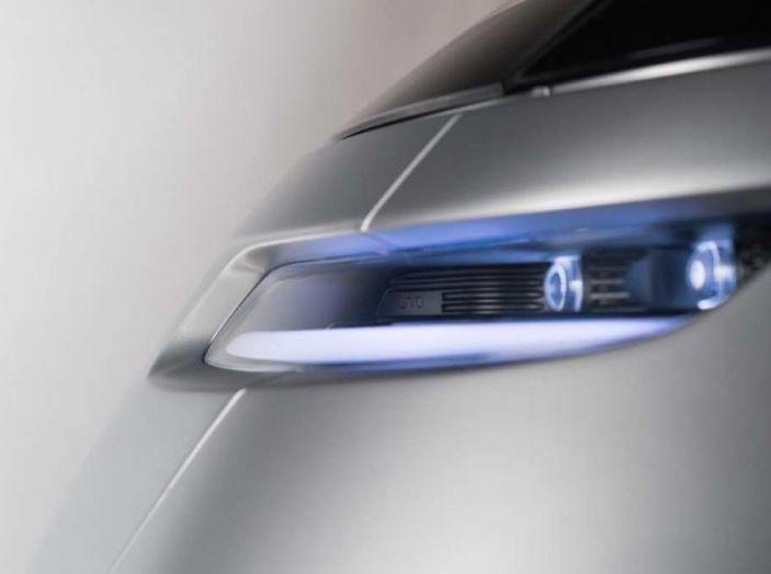 L'auto elettrica con 5 anni di ricariche gratis arriva dalla Svezia - Foto 7 di 11