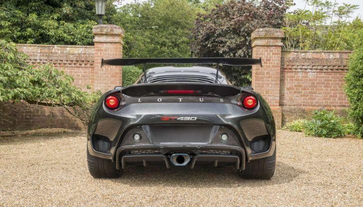 Lotus vuole tornare ad essere una rivale di Ferrari - Foto 3 di 9