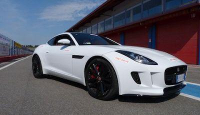 Jaguar F-Type S AWD On Track