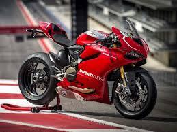 Ducati 1299 Panigale scatenata in pista