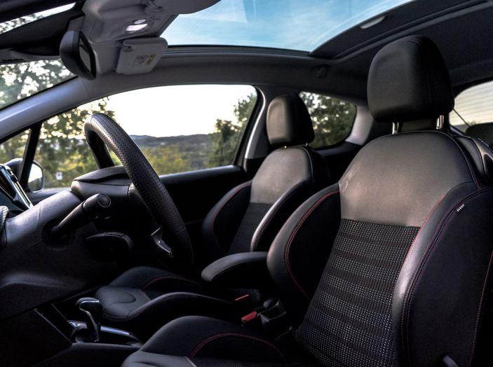 Test Drive Peugeot 208 con 1.2 Turbo da 110CV: una complice svelta per la GT Line - Foto 20 di 27