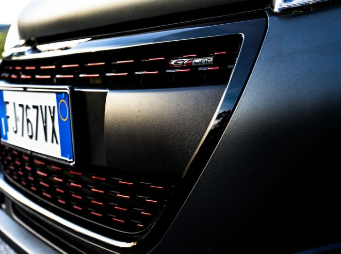 Test Drive Peugeot 208 con 1.2 Turbo da 110CV: una complice svelta per la GT Line - Foto 17 di 27