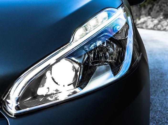 Test Drive Peugeot 208 con 1.2 Turbo da 110CV: una complice svelta per la GT Line - Foto 16 di 27