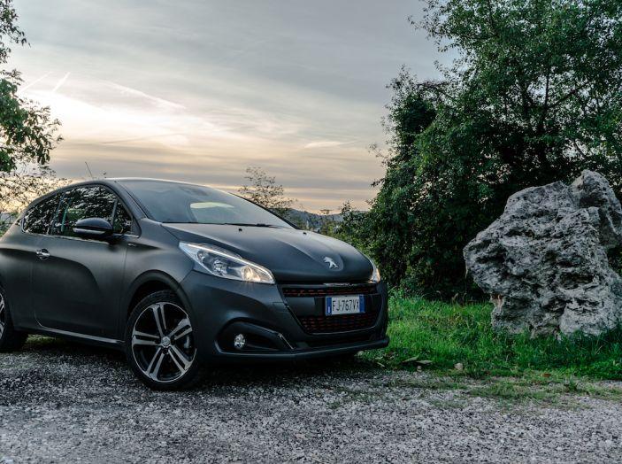 Test Drive Peugeot 208 con 1.2 Turbo da 110CV: una complice svelta per la GT Line - Foto 1 di 27