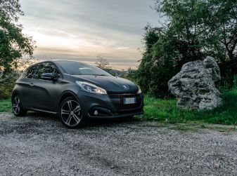 Test Drive Peugeot 208 con 1.2 Turbo da 110CV: una complice svelta per la GT Line