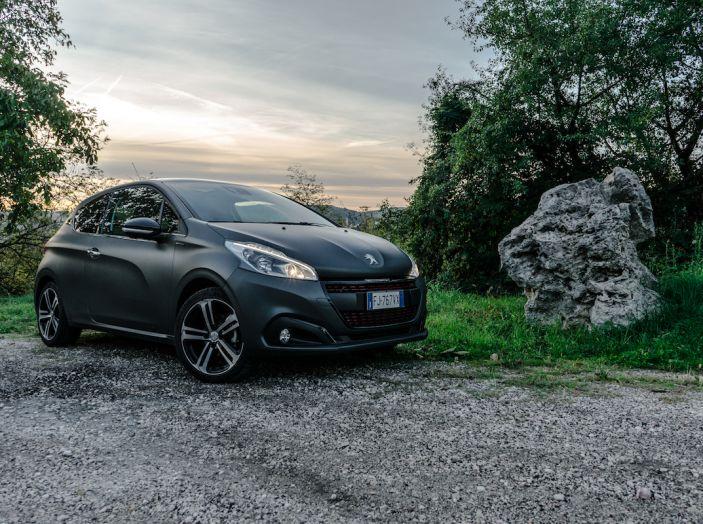Test Drive Peugeot 208 con 1.2 Turbo da 110CV: una complice svelta per la GT Line - Foto 21 di 27