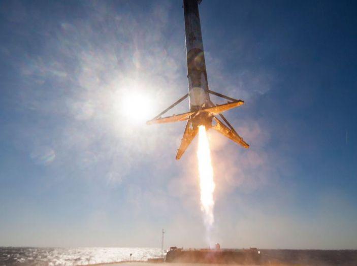 Elon Musk: lancerò una Tesla Roadster su Marte con SpaceX - Foto 3 di 5