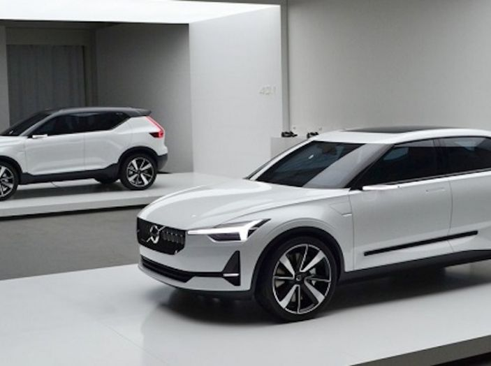 La nuova Volvo V40 2019 arriverà anche 100% elettrica - Foto 8 di 10