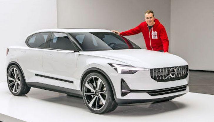 La nuova Volvo V40 2019 arriverà anche 100% elettrica - Foto 9 di 10